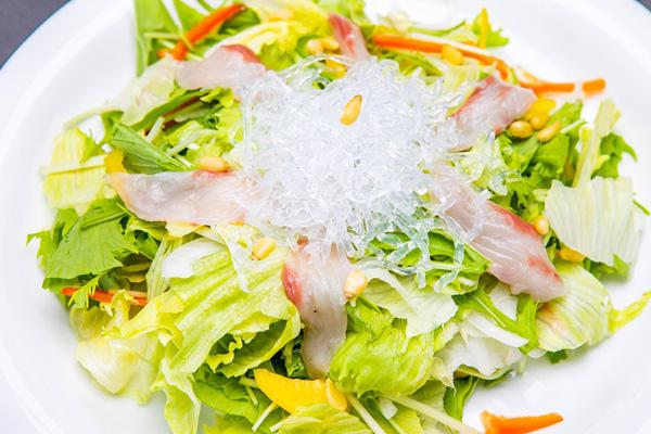 鮮魚の海鮮サラダ